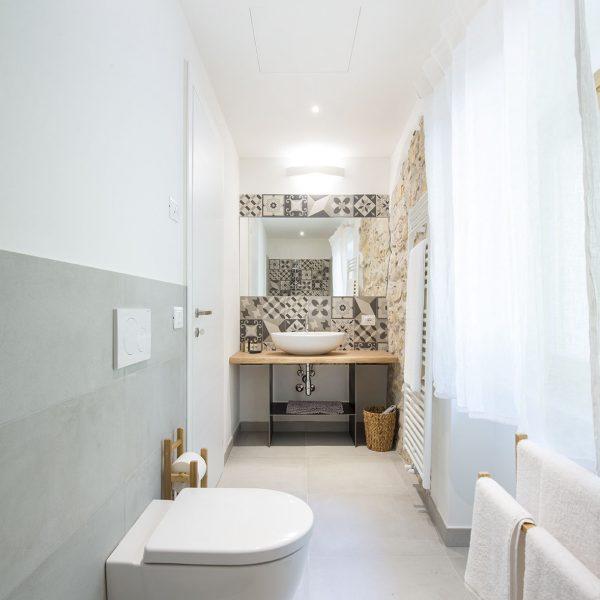 Pendolino - bagno - Apartment - Agriturismo GaiaSofia.jpg